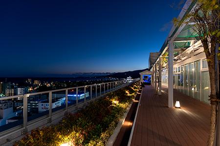 ミナカ小田原 屋上庭園の夜景