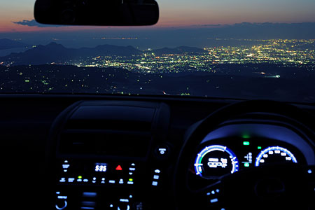 無線塔下駐車場 伊豆スカイラインの夜景