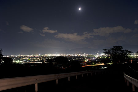 中河原配水池の夜景