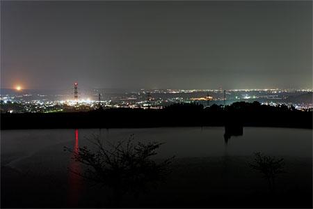 中道ポケットパークの夜景