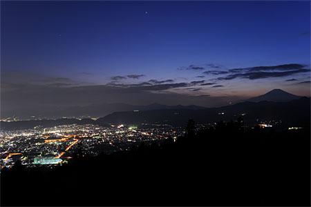 菜の花台(ヤビツ峠)の夜景