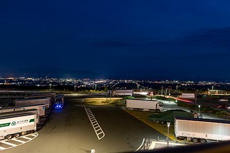 NEOPASA駿河湾沼津(上り)の夜景