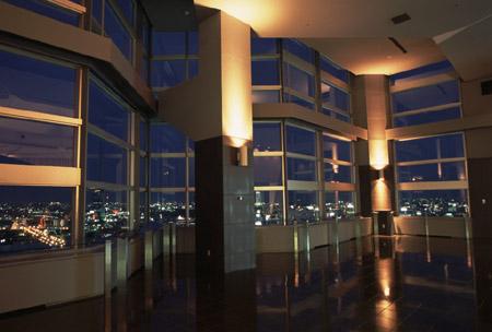 NEXT21 展望ラウンジの夜景