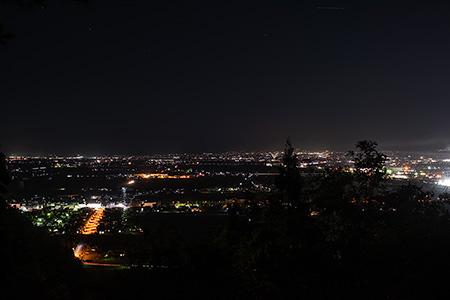 白鳳山公園 二の丸跡広場の夜景