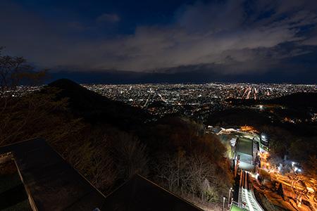 大倉山展望台(大倉山ジャンプ競技場)の夜景