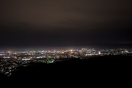 御成山公園の夜景