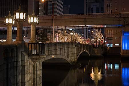大江橋駅前の夜景