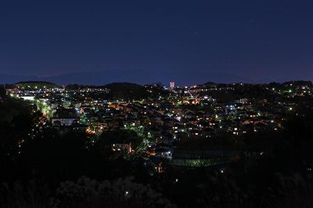 小山田緑地 見晴らし広場の夜景