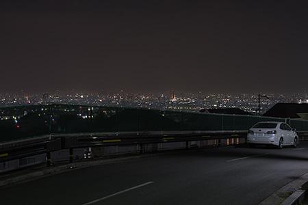 らくらくセンター入口の夜景