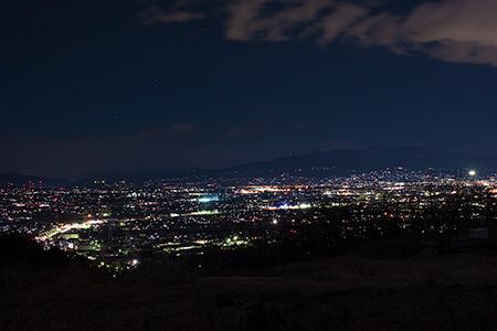 観音山聖地霊園入口の夜景