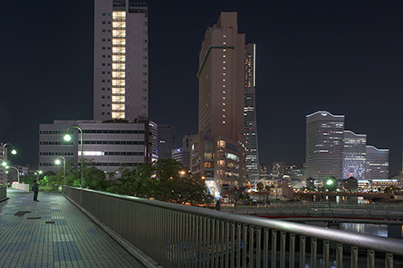桜木町歩道橋の夜景