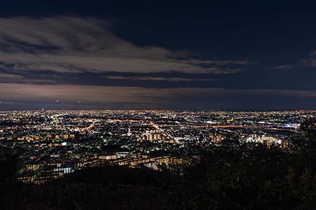 五月平展望台 五月山ドライブウェイの夜景