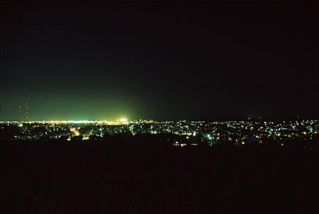 青雲台体育館裏の夜景