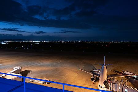 仙台空港 展望デッキ「スマイルテラス」の夜景