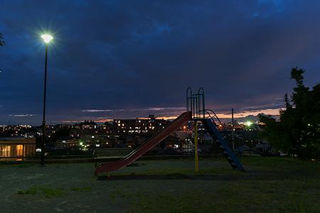 新石川4丁目公園の夜景