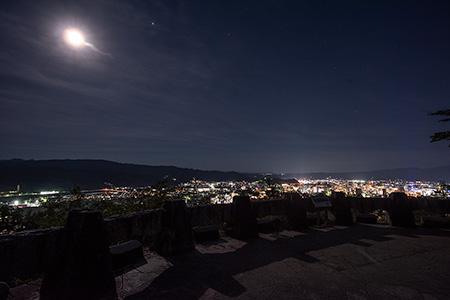 信夫山 第二展望台の夜景