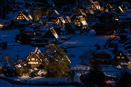 白川郷 萩町城跡展望台の夜景