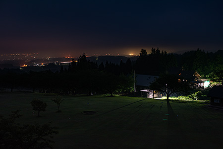 創造の森交流館の夜景
