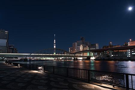墨田川テラス・柳橋付近の夜景