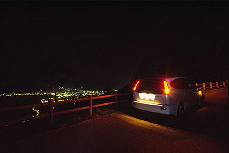 諏訪湖の森の夜景