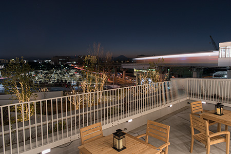 ららぽーと立川立飛 屋外テラスの夜景