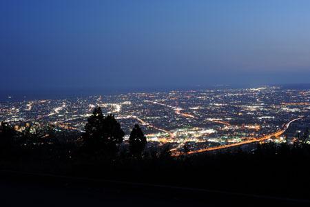 高草山山頂の夜景