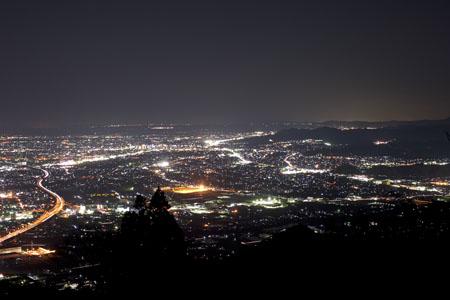 高草山ハイキングコースの夜景