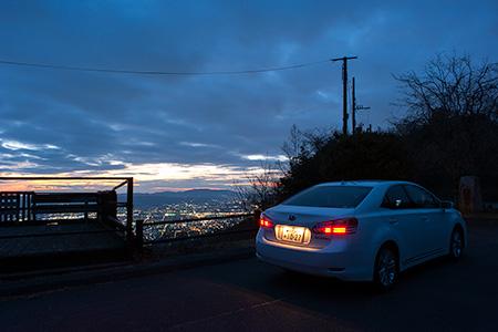高円山頂上展望所の夜景