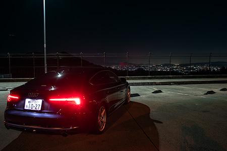 高峰SAの夜景