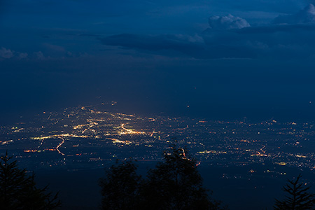 高峰高原の夜景