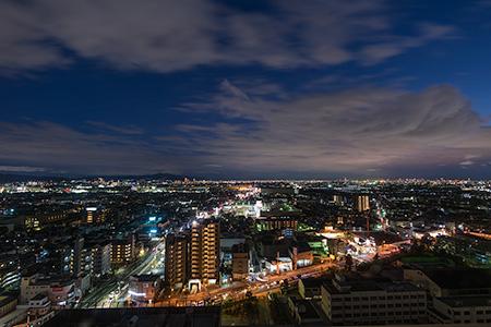 高槻市役所 展望フロアの夜景