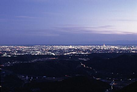 滝沢展望台の夜景