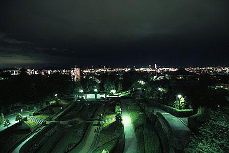 手柄山中央公園の夜景