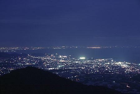 遠望峰パーキング 三河湾スカイラインの夜景