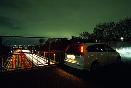 東名高速陸橋の夜景