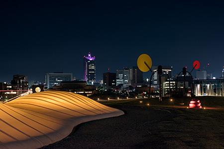 富山県美術館 オノマトペの屋上の夜景