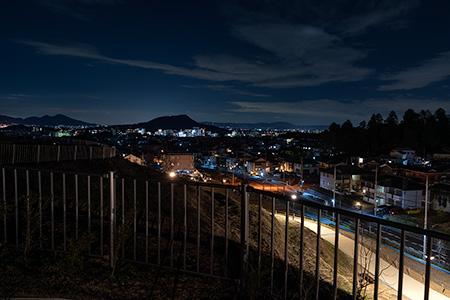 植山古墳公園の夜景