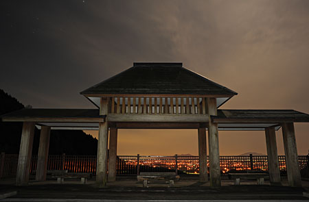 宇曽川ダムの夜景