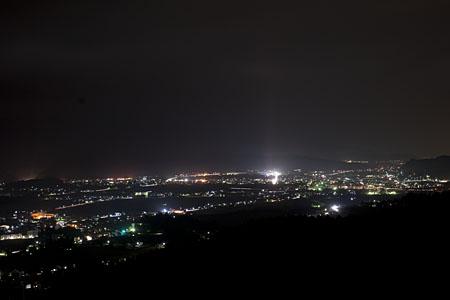 上原高原 記念碑の夜景