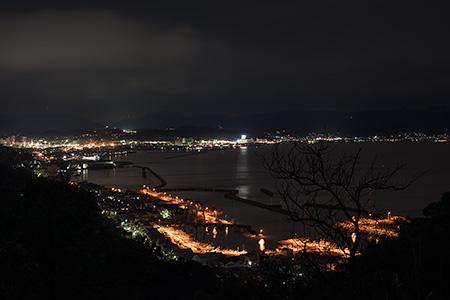 鷲羽山ビジターセンター前の夜景