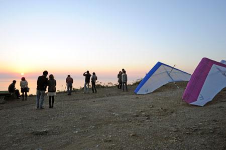 弥彦山 ハングライダー基地の夜景