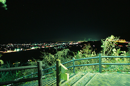 やまじ風公園の夜景