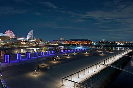 山下臨港線プロムナードの夜景