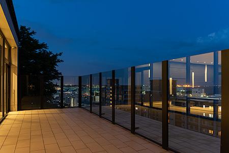 ブリリアシティ横浜磯子 展望台の夜景