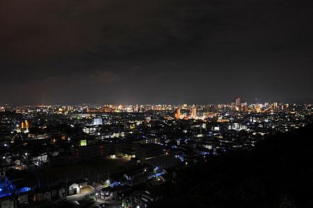 蔵王山 岩山観音堂の上の夜景